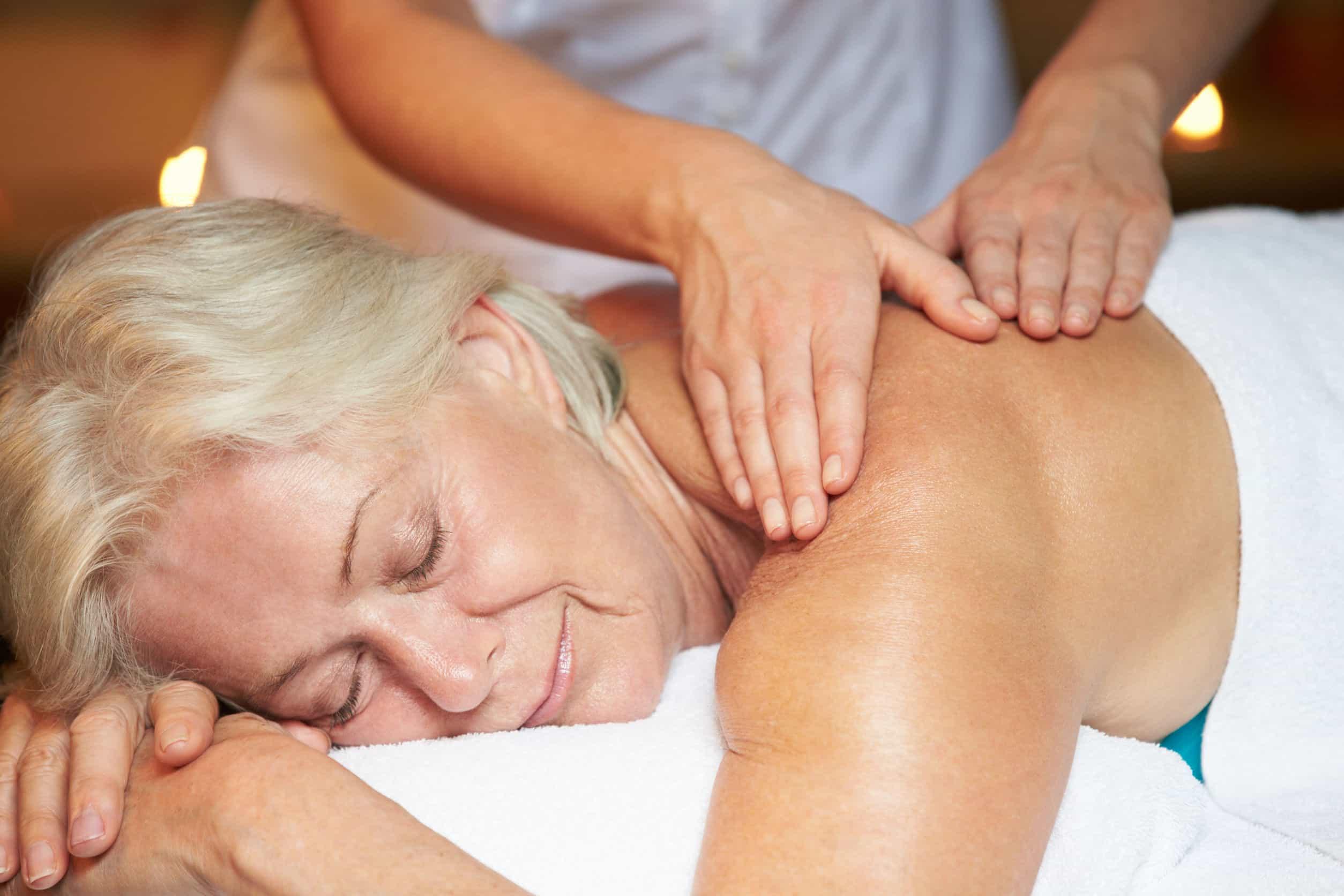 Beneficios psicológicos de los masajes para los ancianos